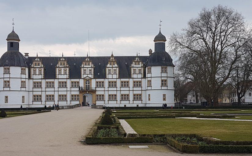Schloss Neuhaus Spaziergang